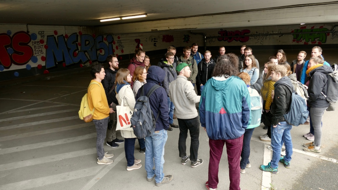 Workshop participants at a guided dérive, Österreichischer Platz, city of Stuttgart